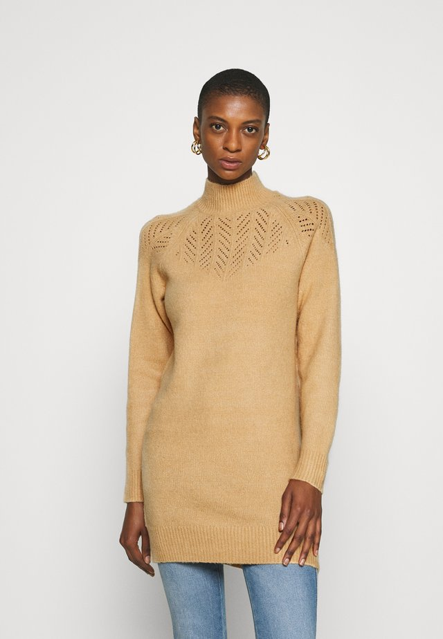 LONGLINE PONTELLE HIGH NECK YOKE - Trui - camel