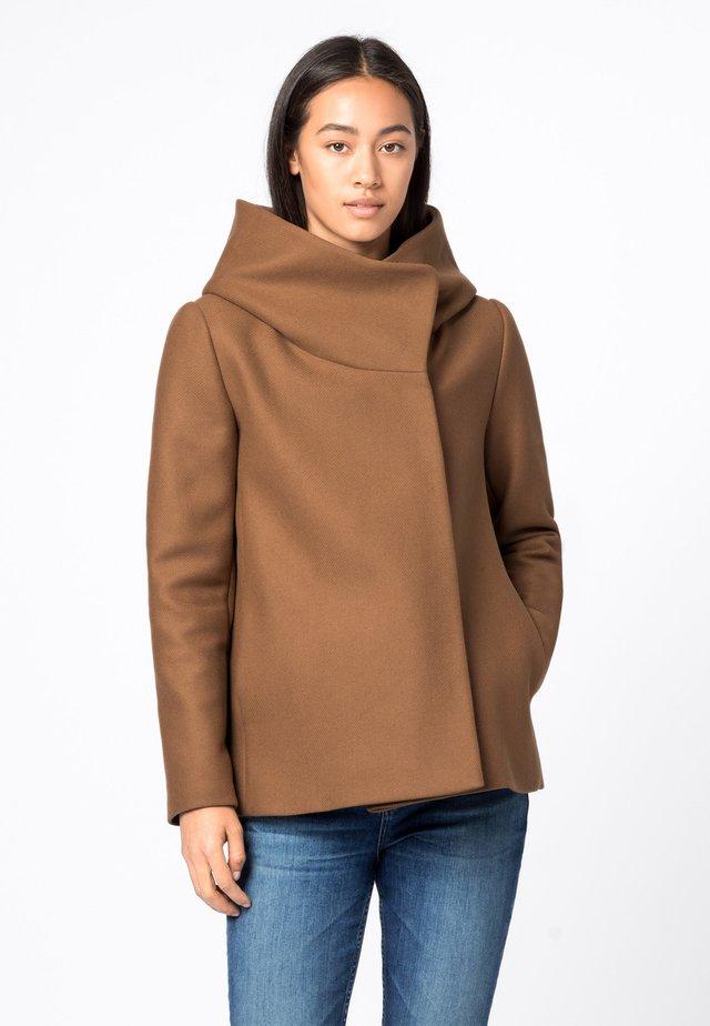 Light jacket - haselnuss