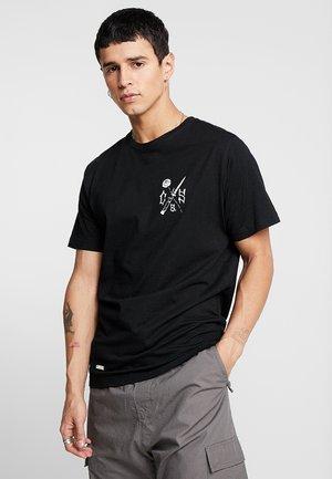 ENEMIES TEE - Print T-shirt - black/white