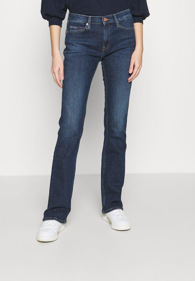 MADDIE BOOTCUT  - Jeans Bootcut - hanna dark blue comfort