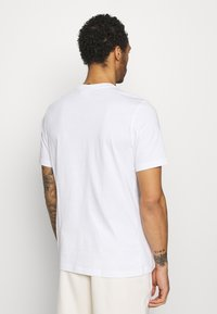 adidas Originals - ESSENTIAL TEE UNISEX - Basic T-shirt - white/light purple - 2
