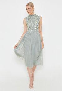 BEAUUT - DIAZ EMBELLISHED SEQUINS   - Cocktail dress / Party dress - sage green - 0