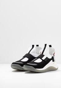 Sportmax - ZOE - High-top trainers - rosa/bianco/nero - 4