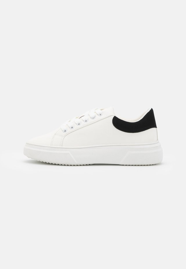 TEIGAN CHUNKY LACE UP TRAINER - Sneakersy niskie - white
