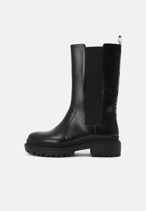 BETTLE CITY - Platform boots - black