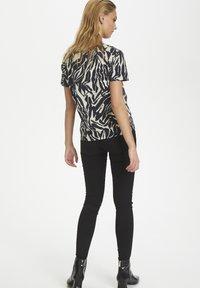 Soaked in Luxury - SLSALLIE  - Print T-shirt - zebra strokes blue - 3