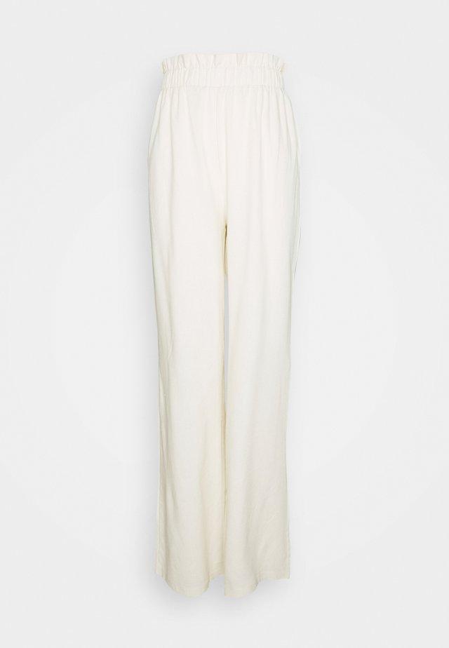PAPERBAG WIDE LEG TROUSER - Pantalon classique - cream
