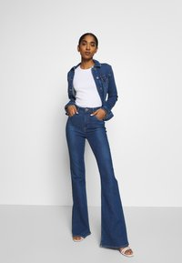 Lee - SUPER HIGH FLARE OPTIX - Jeans a zampa - jackson worn - 1