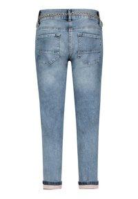 Betty Barclay - MIT WASCHUNG - Straight leg jeans - light blue denim - 4