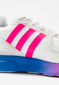 adidas Originals - ZX 2K FLUX - Trainers - crystal white/shock pink/blue - 2