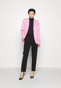 Pinko - SIGMA GIACCA PUNTO STOFFA SCUB - Blazer - fiore di rosa - 1