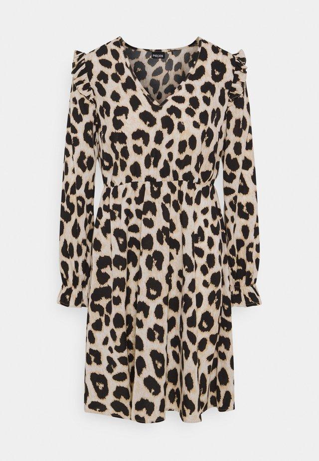 PCSNOLLY DRESS  - Vapaa-ajan mekko - black