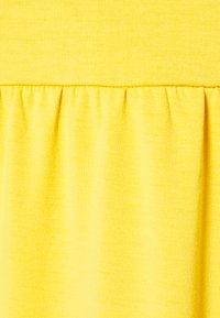 South Beach Petite - SUSTAINABLE TEIRED TSHIRT DRESS - Jersey dress - mustard - 2