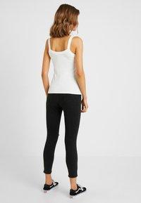 Cotton On - HIGH RISE CROPPED - Skinny džíny - black - 2