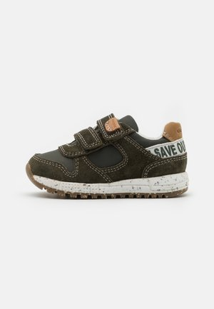 ALBEN BOY WWF - Trainers - dark green