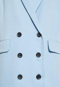 Missguided - OVERSIZED GRANDAD - Abrigo corto - baby blue - 2