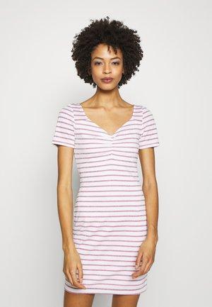 ENRIQUETA DRESS - Shift dress - white/baby pink