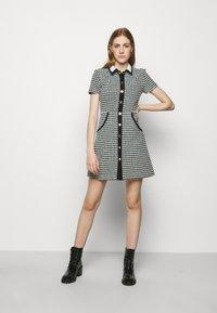maje - RENAGA - Shirt dress - ecru/vert - 0
