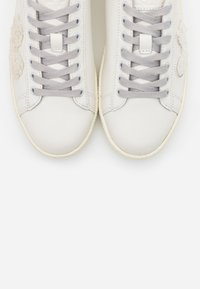 MOA - Master of Arts - GRANMASTER - Sneakers laag - white - 6