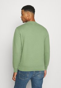 Levi's® - NEW ORIGINAL CREW UNISEX - Felpa - hedge green - 2
