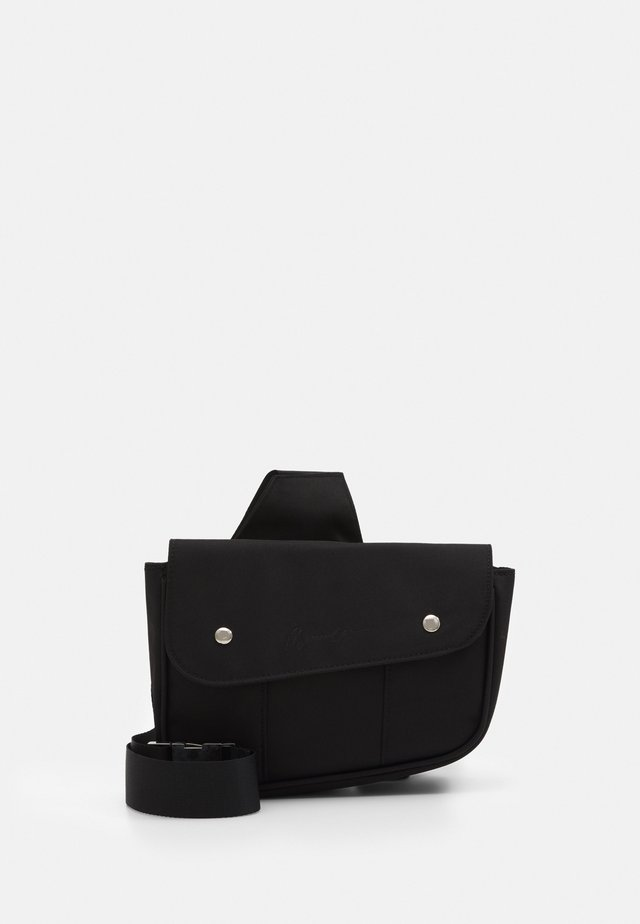 SIGNATURE SADDLE BAG - Ledvinka - black