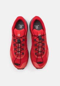 Salomon - SENSE RIDE 3 - Zapatillas de trail running - goji berry/lunar rock/red orange - 3