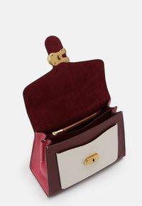 Coach - COLORBLOCK TABBY TOP HANDLE - Handbag - confetti pink/multi - 2