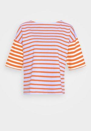 MARINER TEE - Camiseta estampada - cherry/navy