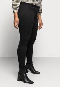 Pieces Curve - PCHIGHFIVE FLEX - Jeans Skinny Fit - black - 3