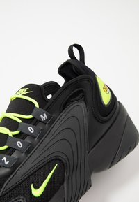 Nike Sportswear - ZOOM  - Sneakers - black/volt/anthracite/wolf grey - 6