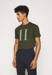 Les Deux - ENCORE  - T-shirts print - deep forrest/sleet grey - 3