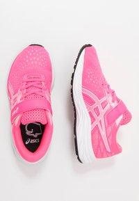 ASICS - PRE EXCITE 7 - Zapatillas de running neutras - hot pink/white - 0