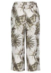 Betty Barclay - MIT BUNDFALTEN - Trousers - white/green - 4