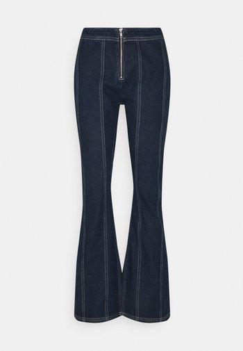 PRAIRIE  - Flared jeans - indigo