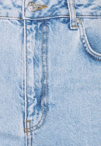 NA-KD Tall - CONTRAST POCKET HIGH WAIST - Jeans relaxed fit - light blue - 2
