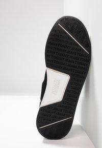 Tommy Jeans - TECHNICAL DETAILS FLEXI - Sneakers - black - 4