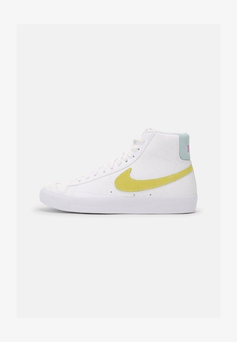 Nike Sportswear - BLAZER MID '77 - Zapatillas altas - white/light zitron/glacier blue
