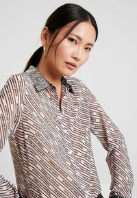 Guess - LESLIE - Button-down blouse - cool pink - 3