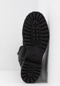 s.Oliver - Winter boots - black - 6