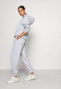 Stieglitz - Teplákové kalhoty - grey melange - 3
