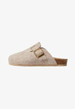 COOZY - Domácí obuv - beige