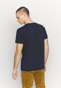 Kent & Curwen - CAMBELL - Print T-shirt - deep blue - 2