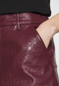 Missguided - CROC - Shorts - plum - 4
