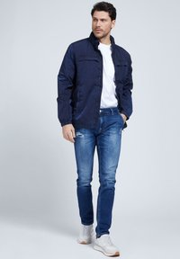 Guess - Summer jacket - blau - 1