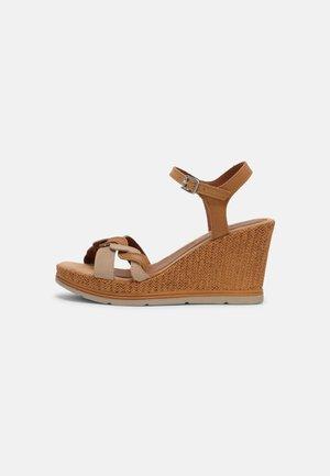 Platform sandals - cuoio/sand