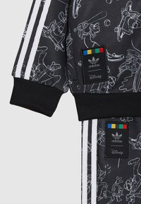 adidas Originals - GOOFY DISNEY SET - Verryttelytakki - black/white - 3