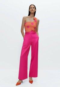 Uterqüe - Trousers - pink - 4