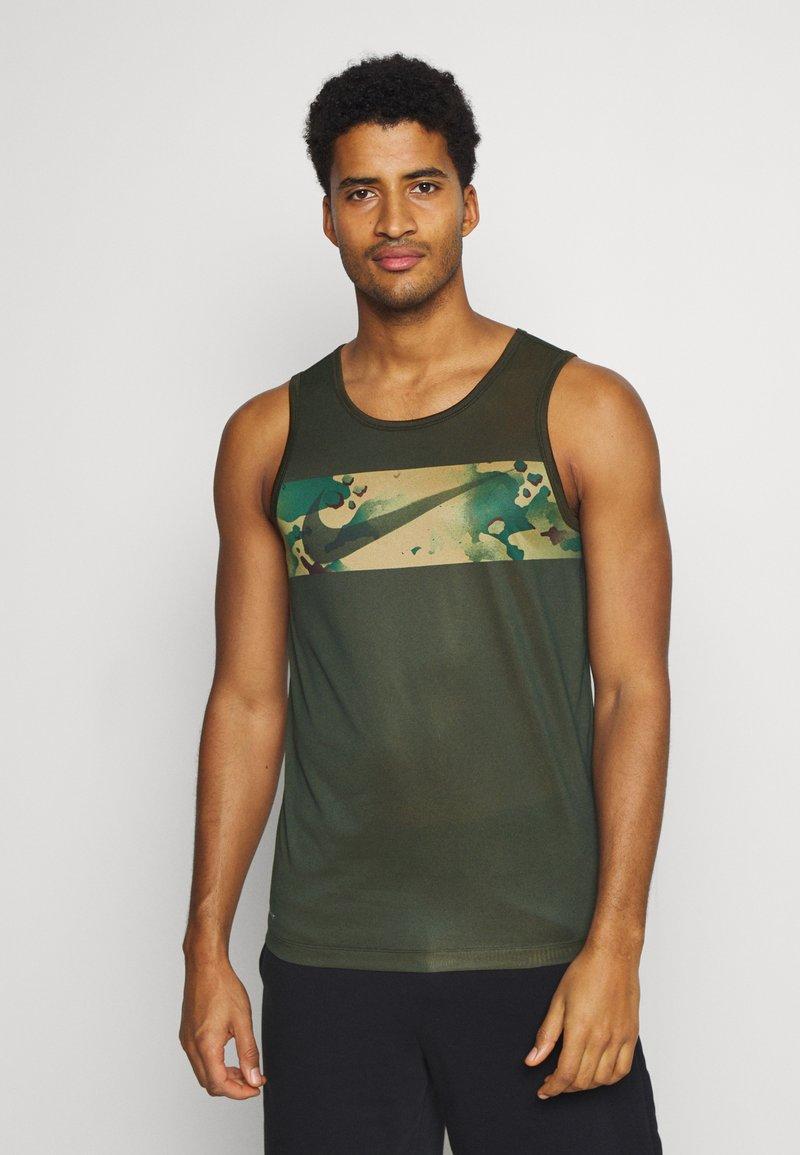 Nike Performance - Sports shirt - olive
