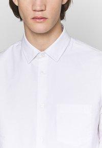 Filippa K - TIM OXFORD - Košile - white - 4