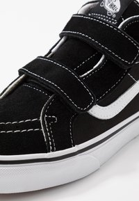 Vans - SK8 MID - Vysoké tenisky - black/true white - 2